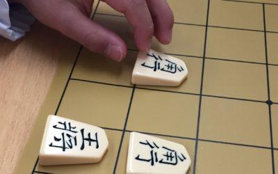 安井保育園様にて、年長組の子供達に将棋教室を開催いたしました。